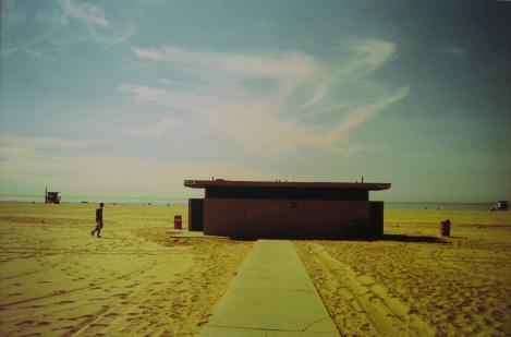10_Lucia_Zegada_On_the_Sand_500px